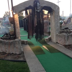 Ford road miniature golf mini golf garden city mi yelp for Garden city mini golf