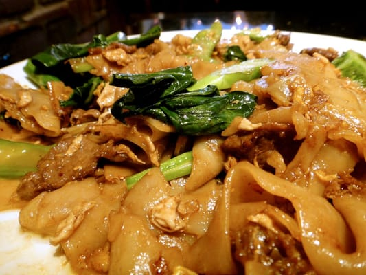 Beef pad see ew - stir-fried broad rice noodles with chinese broccoli ...
