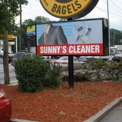 Sunny's Cleaners - Next to the Einstein Bros Bagel off Roswell Road. - Atlanta, GA, Vereinigte Staaten