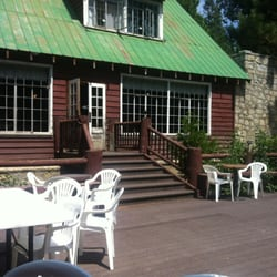 Strawberry Lodge - Outside seating with the sound of the river - Kyburz, CA, Vereinigte Staaten