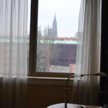 Hilton strasbourg 64 photos 20 reviews hotel for Chambre french translation
