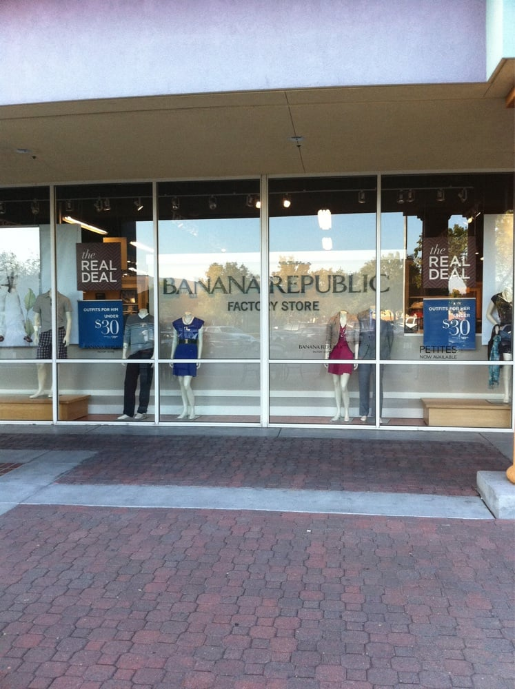 List of all outlet shopping malls, outlet centers and outlet stores in the United States. Choose a shopping mall from the list below to see its outlet stores and futher information about them.