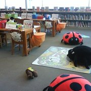 Little Tokyo Branch Library - children's section of library - Los Angeles, CA, Vereinigte Staaten