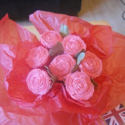 A bouquet of cupcakes perfect for a Valentines day gift!