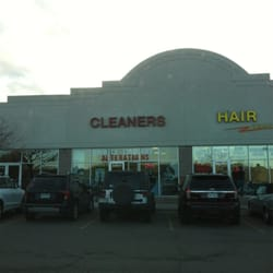 Goldstar Cleaners logo