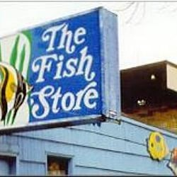 The fish store moved roosevelt seattle wa united for Fishing store seattle