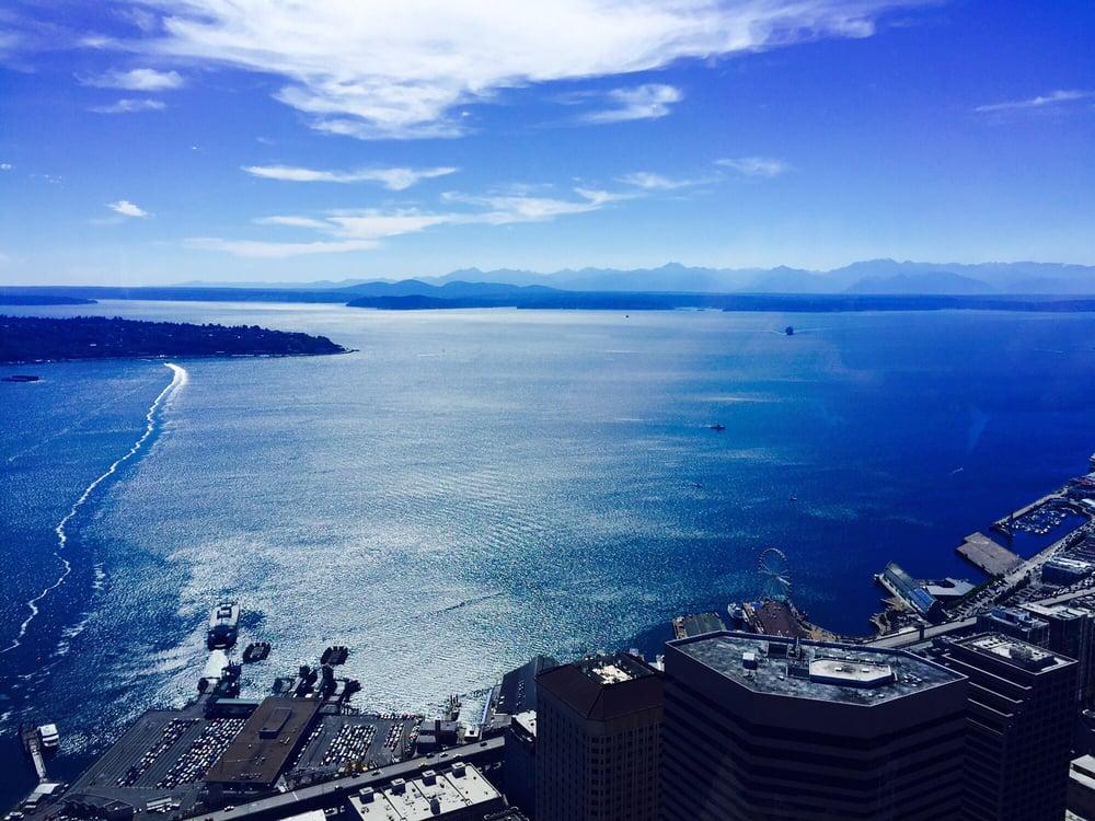 Sky View Observatory - Seattle, WA, United States. View from the Sky View Observatory