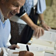 McIntyre's Books - UNC Tar Heel Basketball Coach Roy Williams joined for a book signing in The Barn - Pittsboro, NC, Vereinigte Staaten