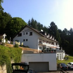 Hotel von der Seite unten