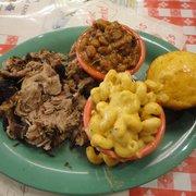 Memphis Minnie's - Memphis sweet-smoked pork, beans, mac and cheese - San Francisco, CA, Vereinigte Staaten