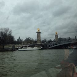 Approaching the 'prettiest bridge' in Paris