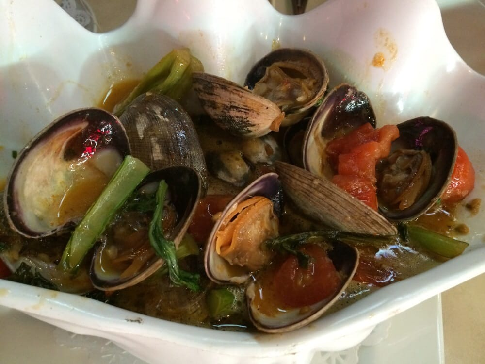 ... States. Thai style steamed clams with bread for dipping in the sauce