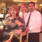 Villaggio Italiano Pizzeria Restaurant - The owner and 2 of her favorite waiters - Hartsdale, NY, Vereinigte Staaten