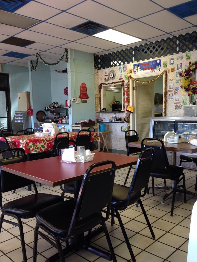 Wagon wheel cotterell s family restaurant restaurant for Elite motors clarksville tn