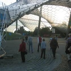 Zeltdachtour auf dem Olympiastadion, Munich, Bayern, Germany