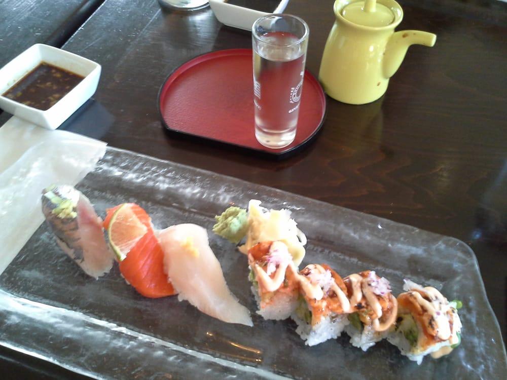 Flo japanese sushi restaurant sake bar 158 foton for Asia sushi bar and asian cuisine mashpee