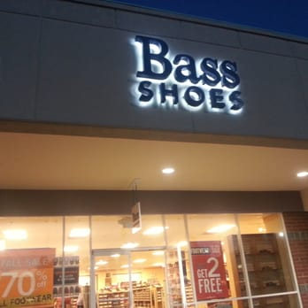 Bass Apparel Factory Outlet - Los Angeles, CA, United States. Many shoes