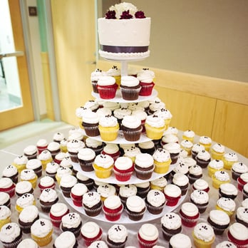 Patty's Cakes and Desserts - Cupcakes from my wedding.