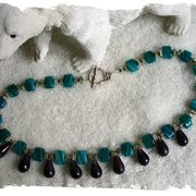 Kühles Collier mit böhmischen Glasperlen…