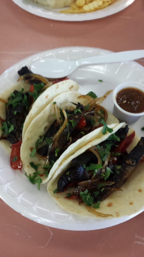 Charlies Cafe - Rockwall, TX, United States. Portabella mushroom stretch tacos!