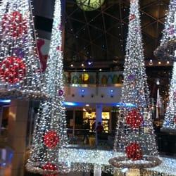 Ya es Navidad en el centro comercial…