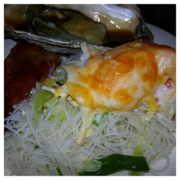China Wall Buffet - Concord, CA, Vereinigte Staaten. Noodles, baked ...