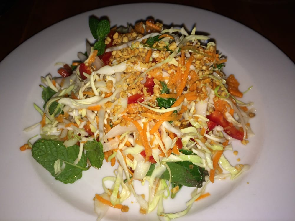Salade Cambodgienne (vegan): shredded cabbage, carrot, tofu, red bell ...