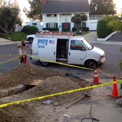 Integrity Plumbing - La Verne, CA, États-Unis. Have to keep work area safe and taped off