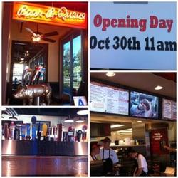 Phil's BBQ - Santee Grand Opening - Santee, CA, Vereinigte Staaten