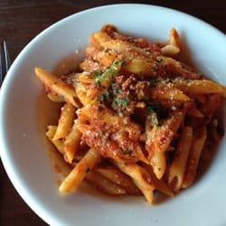 Parisi Italian Market & Deli - Parisi - Penne with Bolognese - Denver, CO, Vereinigte Staaten