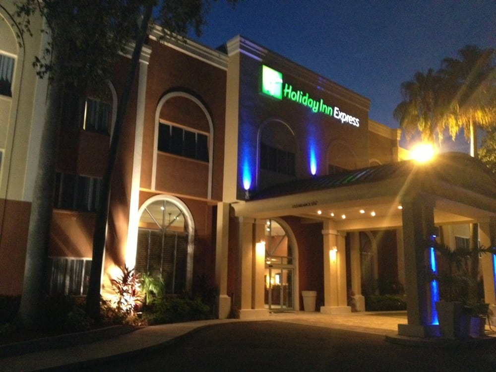 holiday inn express clearwater east icot center hotels. Black Bedroom Furniture Sets. Home Design Ideas