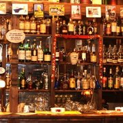 The Highlander - Scottish Pub in…