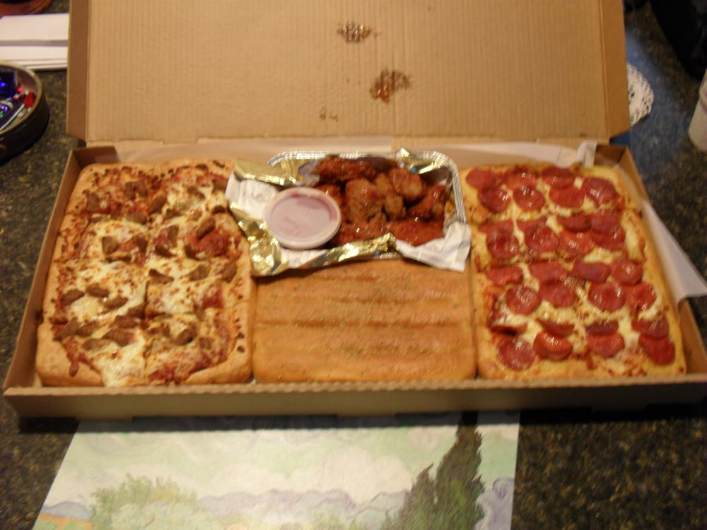 Visit the website for Pizza Hut locations, Pizza hut promos, purchase gift cards, and to order online. and dinner boxes. Online orders can be placed for delivery or carry out. Pizza Hut Menu Pizza hut offers an extensive selection of pizzas, sides, and desserts. Crust options include stuffed crust, hand tossed, deep dish, and thin and crispy.