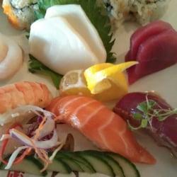 Hana Matsuri Sushi logo