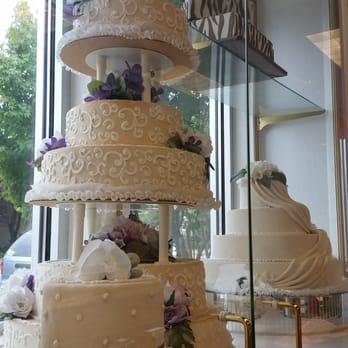 Bakery Delite Wedding Cakes