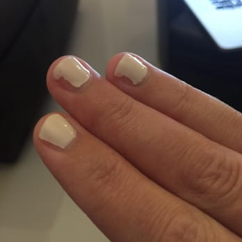 after my gel shellac manicure, the polish was already peeling off