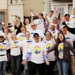 Rebuilding Together San Francisco - San Francisco, CA, États-Unis. A group of smiling faces, plus a smilin' mayor!
