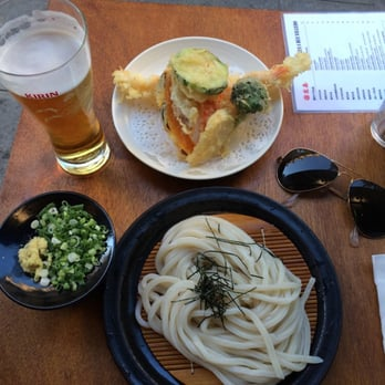 Zaru udon with tempura and Kirin