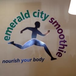 Emerald City Smoothie logo