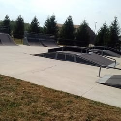 Plainfield Skate Park - Another view of ramps - Plainfield, IN, Vereinigte Staaten