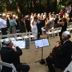 Duvateen Sound - Ben Brussell string duo playing a wedding ceremony - San Francisco, CA, Vereinigte Staaten