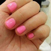 Two Brown Eyed Girls - Los Angeles, CA, États-Unis. Pretty in pink gel mani