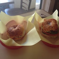 Bagel Bin - Pizza bagel breakfast sandwiches - Sonora, CA, Vereinigte Staaten
