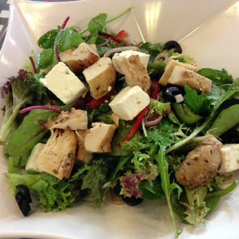 Iron Chefs Charcoal Grill Bar - Greek Salad Fette with chicken breast added - Singapore, Singapur