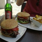 BBQ-Jalapenos-Burger, da kann man nur…