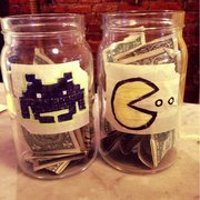 Naidre's Cafe & Bakery - the best tip jars! - Brooklyn, NY, Vereinigte Staaten