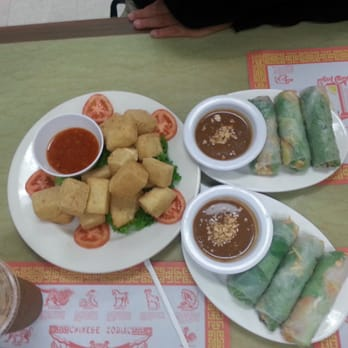 ... Peanut vegetable spring rolls, amazing peanut sauce & fried tofu!!! SO
