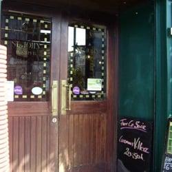 Pub Saint John's - Neuilly sur Seine, Hauts-de-Seine, France
