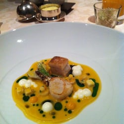 Scallop, pork belly, curry emulsion,…