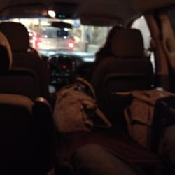 United Taxi - Lots of space....back and front seats recline  very comfortably - Portland, OR, Vereinigte Staaten